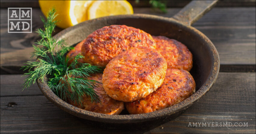 Crispy Wild-Caught Salmon Cakes