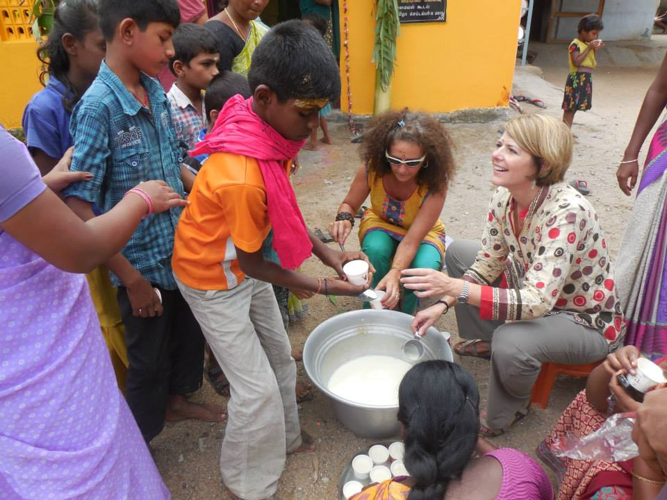 Dr Myers with Children in India - Amy Myers MD