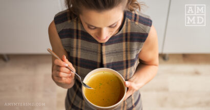 10 Benefits of Bone Broth + Gut Repairing Recipe